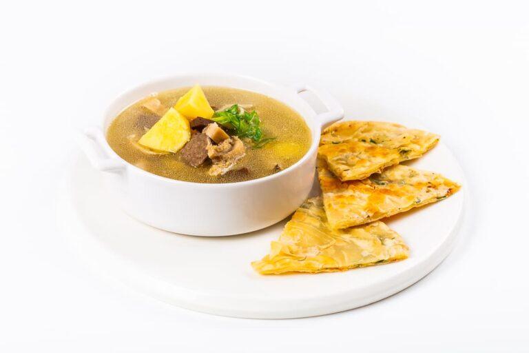 Суп степной (с потрошками) с лепешкой